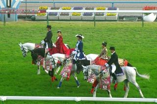 女王杯の誘導馬 6.JPG