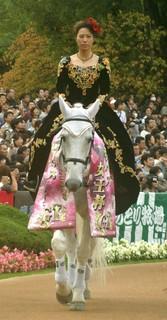 エリザベス女王杯の誘導馬2.JPG